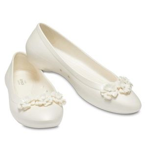 CROCS Oyster White Lina Flower Flat